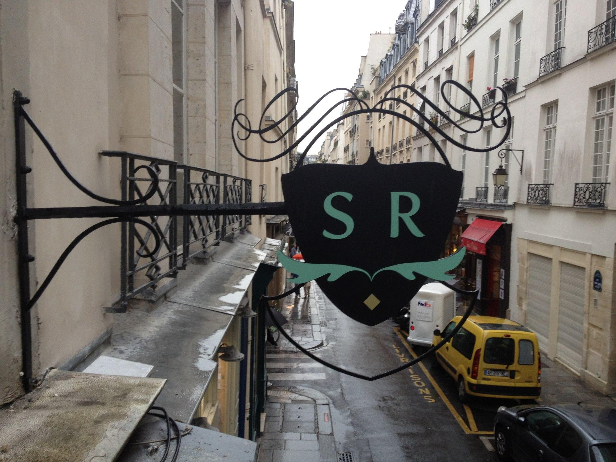 Enseigne le SERGENT RECRUTEUR Paris IV